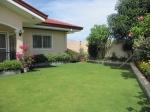 mactan-house-214-front-lawn2