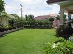 mactan-house-214-front-lawn3