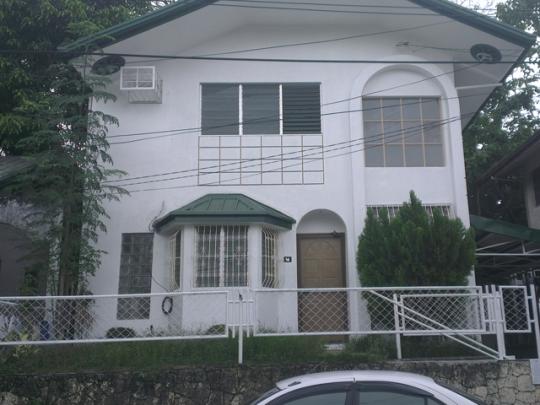 front-view-villa-del-rio-house