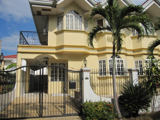 Mactan-house-247-front-casaraw