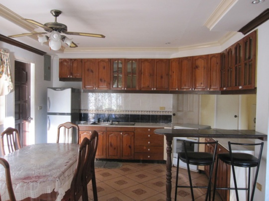 Mactan-house-247-kitchenaw