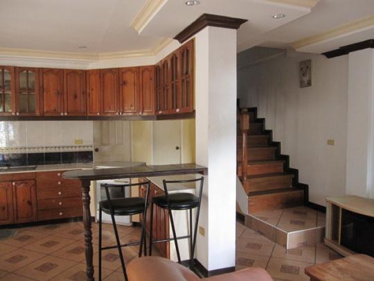 Mactan-house-247-kitchenbw