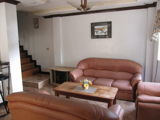 Mactan-house-247-livingbw