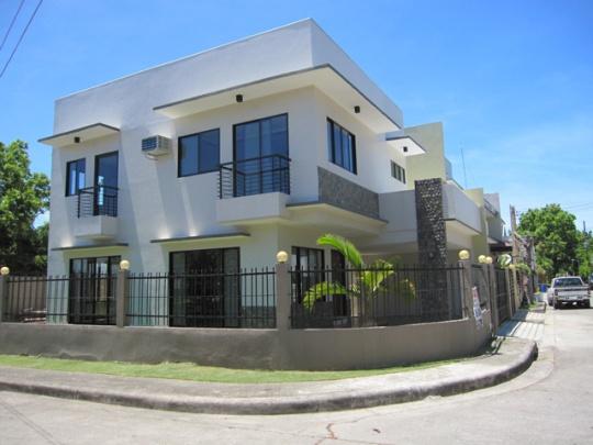 House 252 corner view