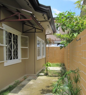 House-261-right-side-space