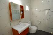 House266-guest-bathroom