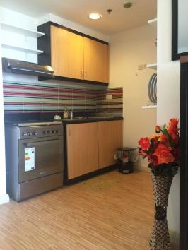 Mactan-condo-274-kitchen2