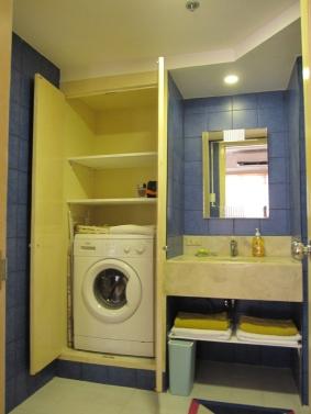 Mactan-condo-274-washing-machine