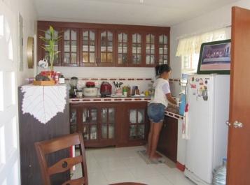 mactan-house-269-kitchen