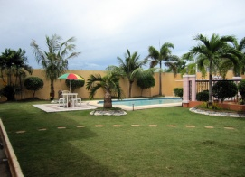 mactan-house-294-lawn-pool