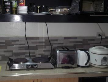 Mactan-condo-296-kitchen2