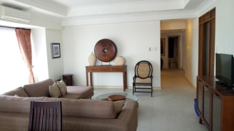 Movenpick-condo-300-living