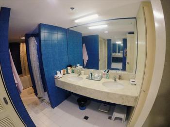 Mactan Condo 349 master bath