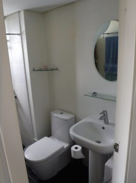 Cebu-Condo-379-master-bath-vu3